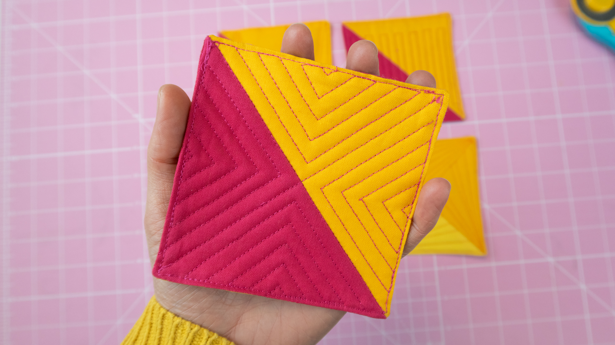 Bright and happy quilted coasters [HOW TO]