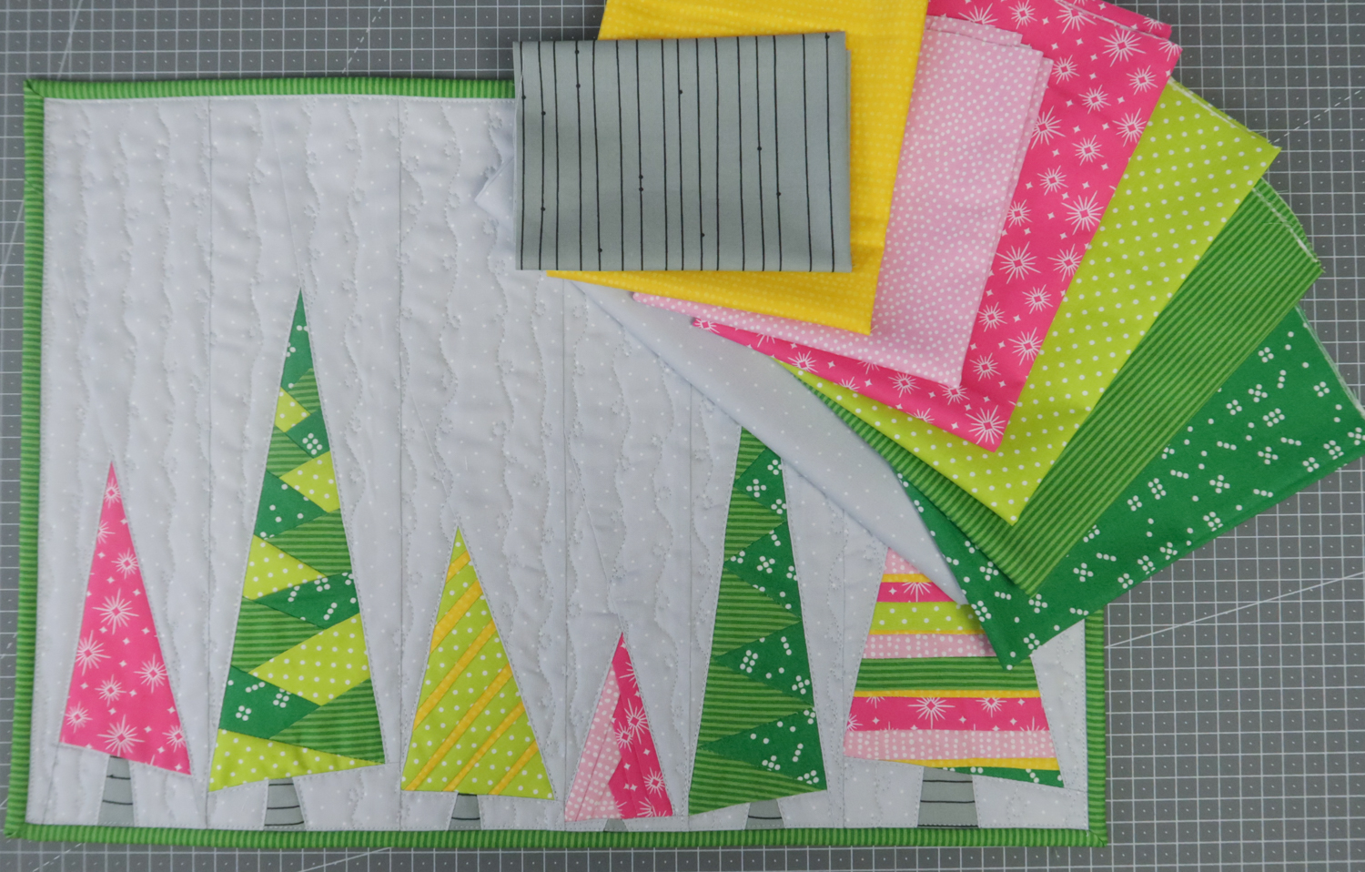 A Very Pink Christmas Quilt Kit 4 Placemats Sugaridoo